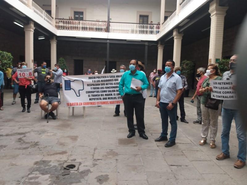 Se manifiestan en Palacio Municipal de Guaymas