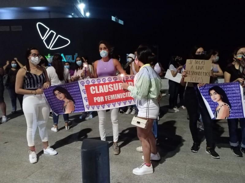 Se manifiestan exigiendo justicia para Monserrat
