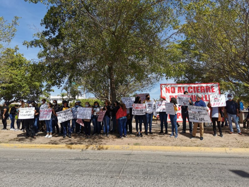 Se manifiestan pescadores de Topolobampo ante FGR