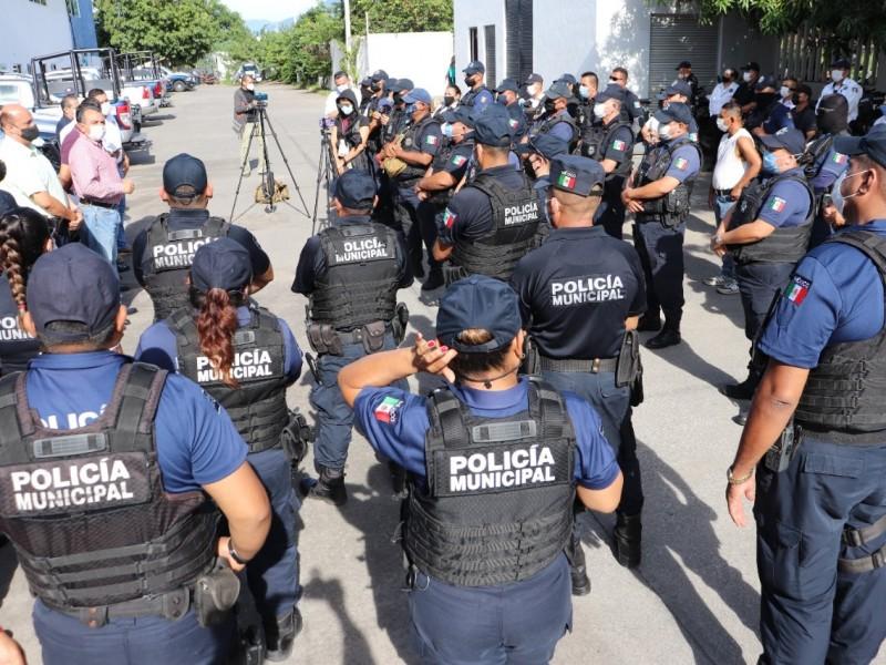 Se manifiestan Policías; Ayuntamiento anuncia adelanto de pago y prestaciones