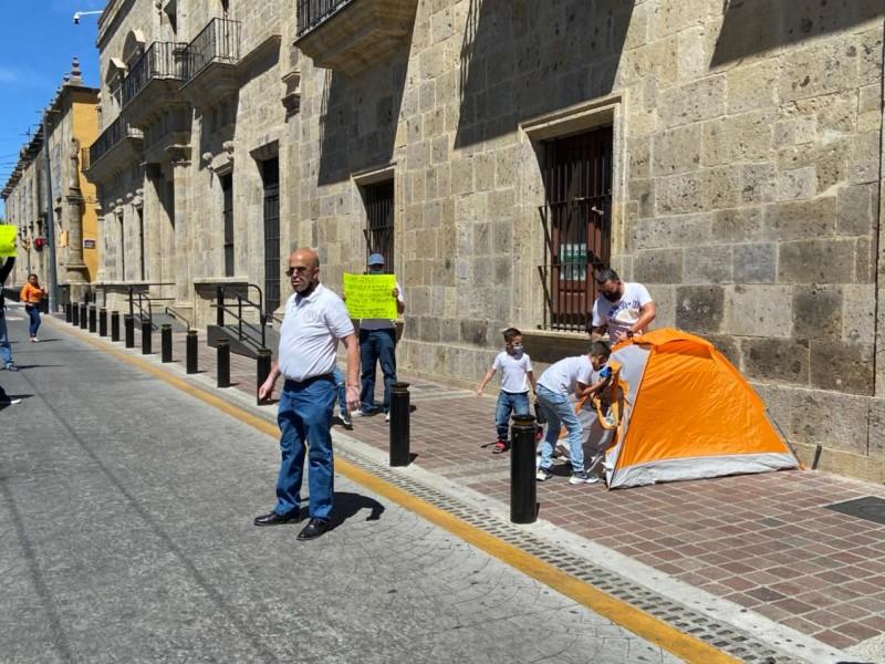 Se manifiestan policías para exigir reducción en tiempo de jubilación
