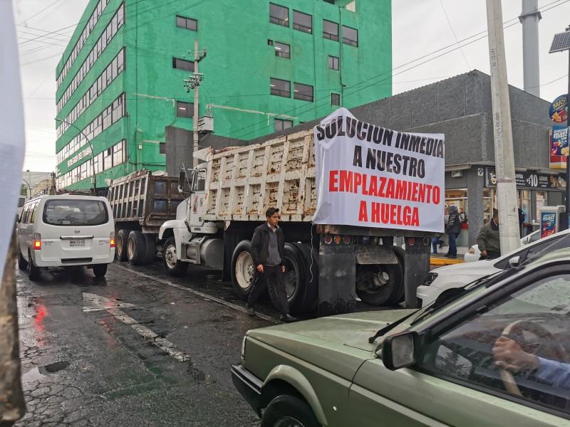 Se manifiestan transportistas en Toluca