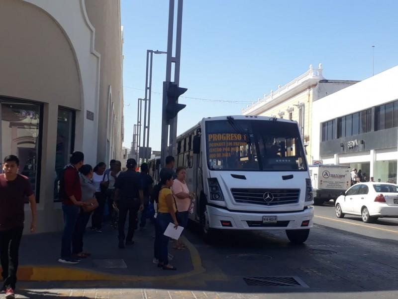Se oponen transportistas a cambio de tarifa para usuarios parados