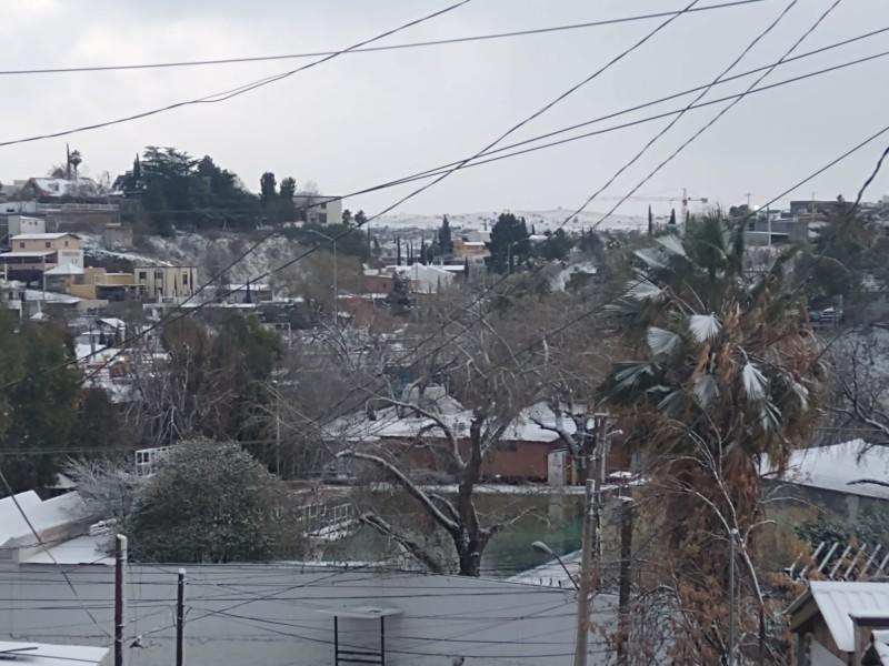 Se pinta de Blanco Nogales con Nevada durante la madrugada
