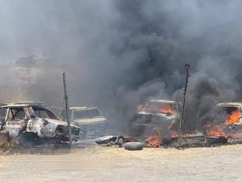 Se presenta incendio en corralón de Tepatlaxco de Hidalgo