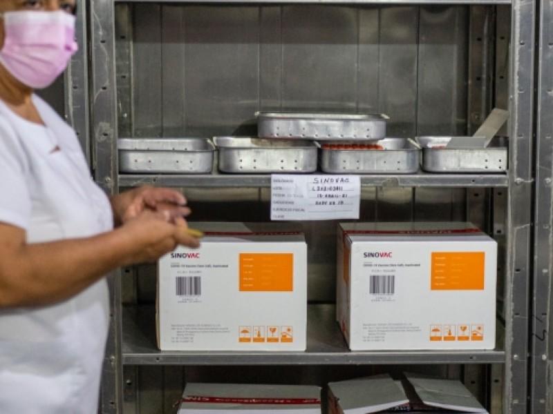 Se puede prolongar segunda dosis de Sinovac hasta 45 días