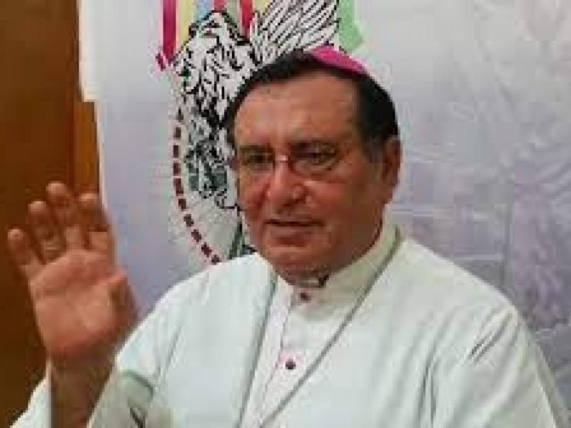 Se recupera de COVID-19 arzobispo Fabio Martínez Castilla