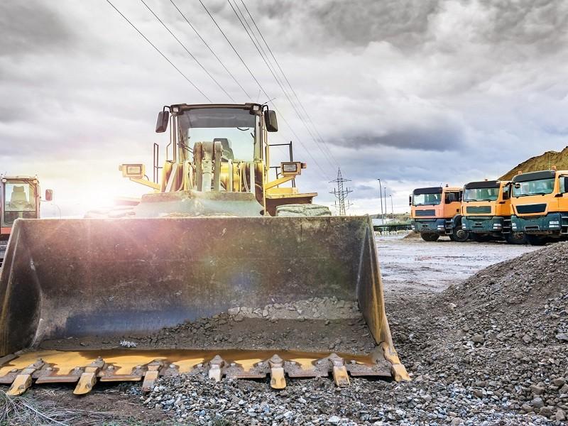 Se reduce construcción de obra pública e inmobiliaria