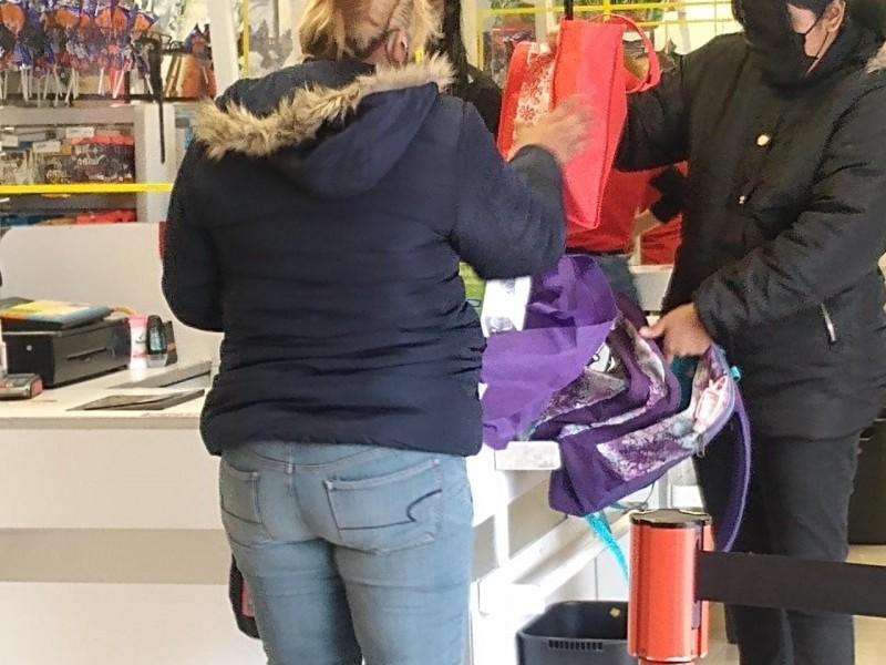Se reducen bolsas plásticas y mejora uso de reutilizables