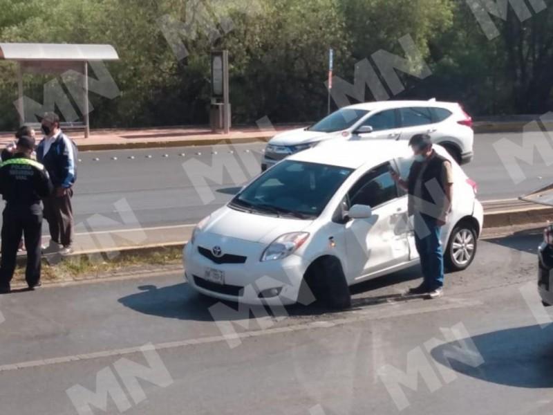 Se registra accidente automovilístico sobre el bulevar
