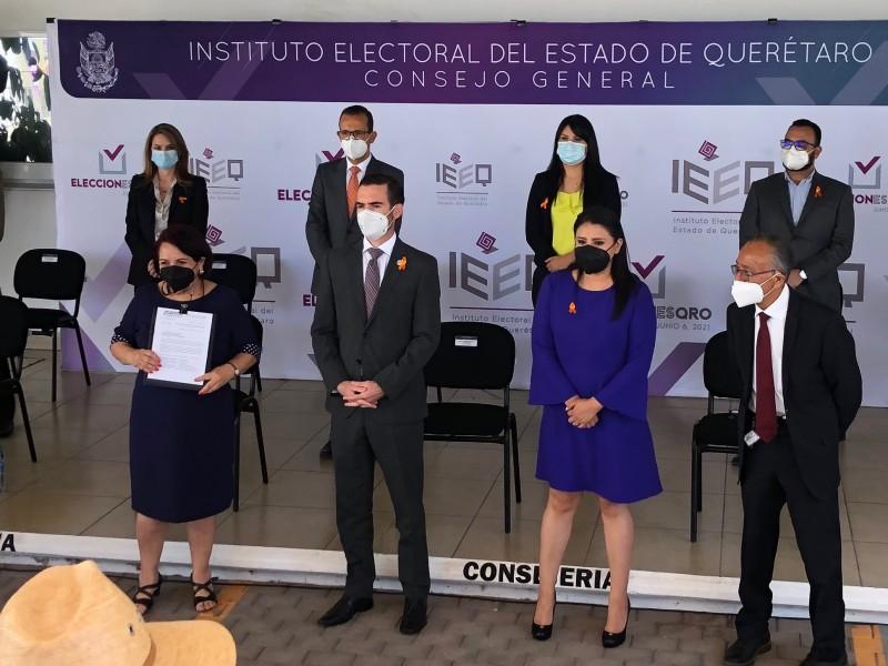 Se registra Celia Maya ante el IEEQ para la Gubernatura
