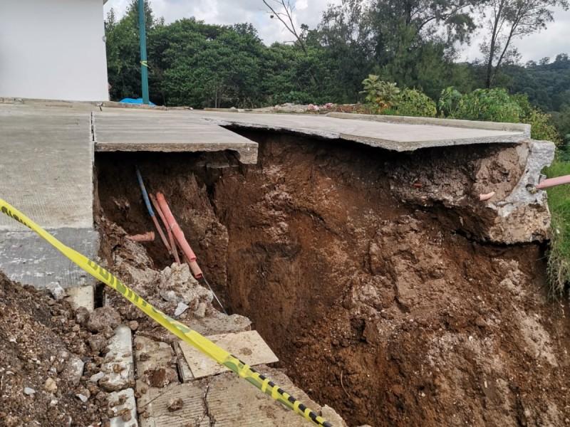 Se registra deslave en Xalapa, PC evacua a familia
