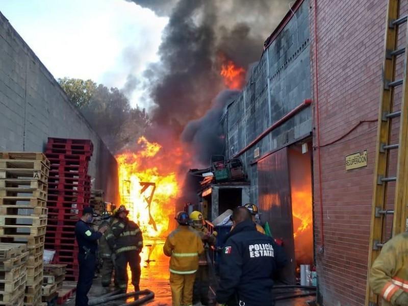 Se registra fuerte incendio en Cuautitlán Izcalli
