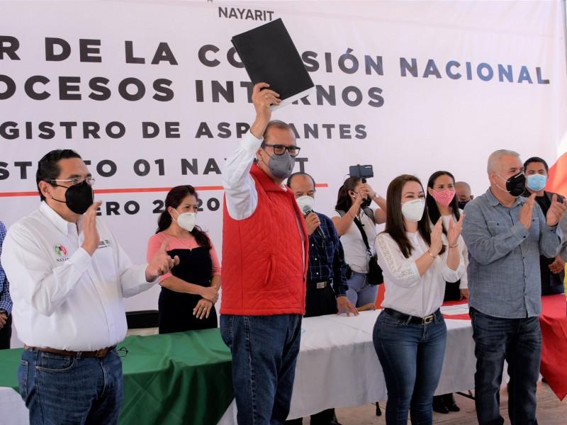 Se registra Manuel Cota como precandidato a diputado federal