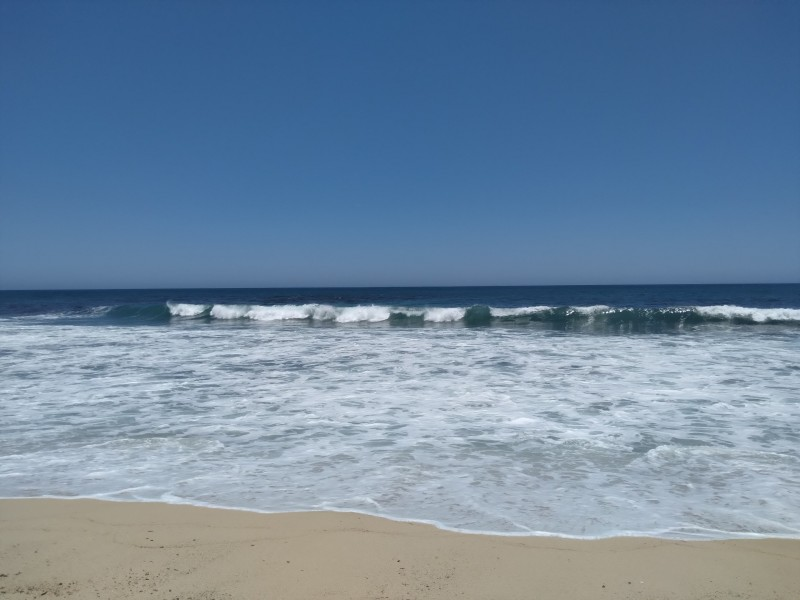 Se registra mar de fondo en  playas cabeñas