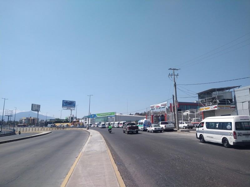Se registran largas filas para cargar gas natural en Morelia