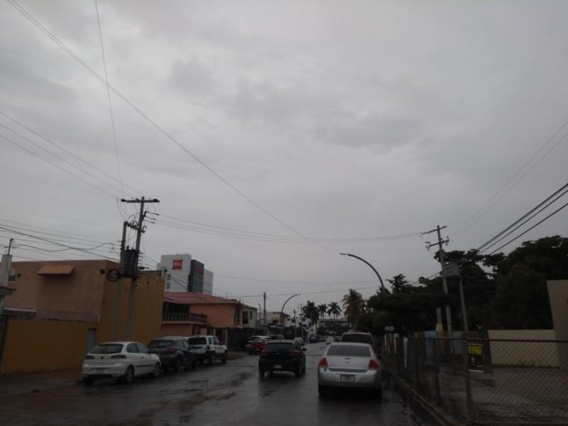 Se registran lluvias en la zona norte