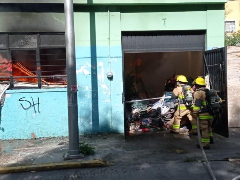 Se registró incendio en casa del centro histórico de Puebla