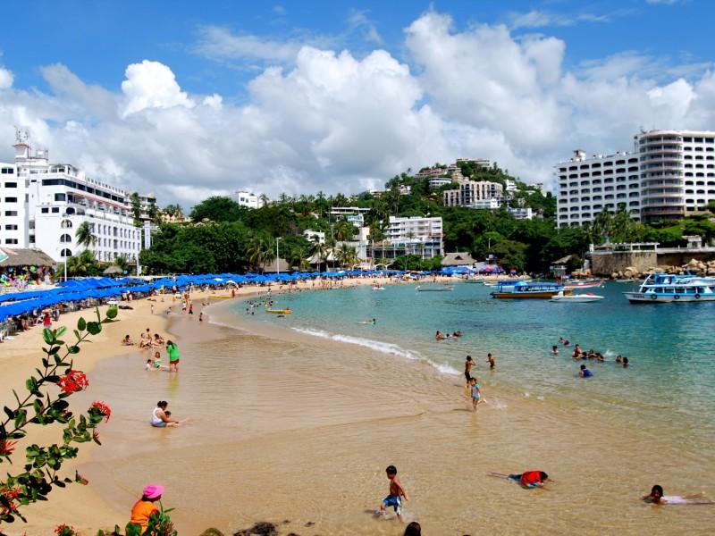 Se rehabilitan playas de Guerrero