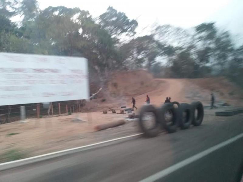 Se repliegan integrantes del MOCRI en carretera Villaflores