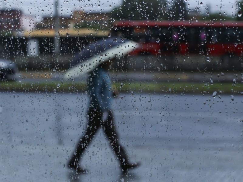 Se reportan encharcamientos por lluvias en CDMX