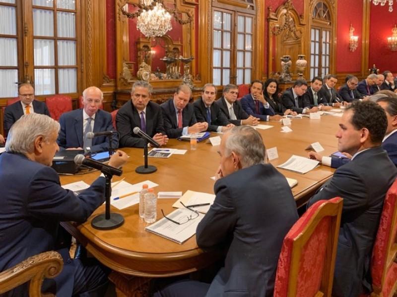 Se reúne AMLO con banqueros del país