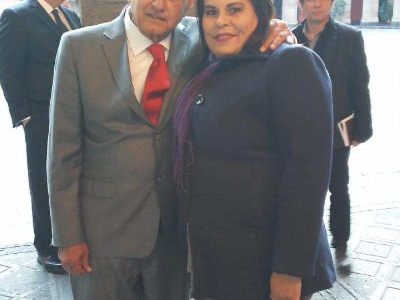 Se reúne Sara Valle con Presidente de México