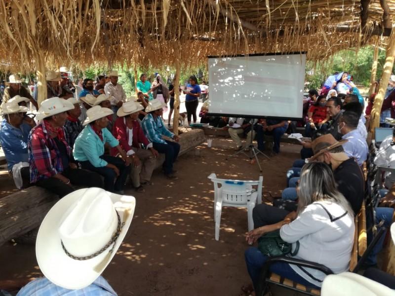 Se reúnen autoridades federales con tribu yaqui
