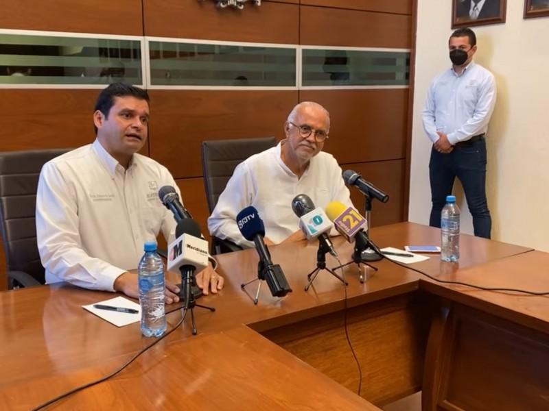 Se reunen gobernador Antonio Echevarría y gobernador electo Navarro Quintero