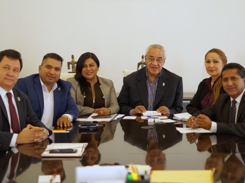 Se reúnen diputados y diputadas con gobernador interino