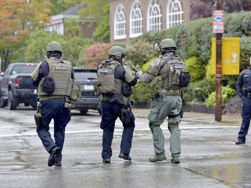 Se rinde atacante de sinagoga en Pittsburgh