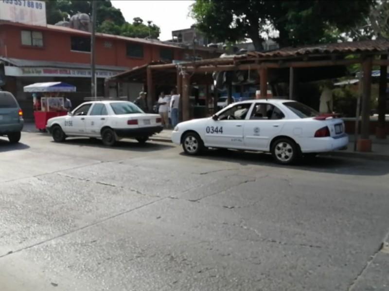 Se torna crítica la economía en Zihuatanejo; sector transporte