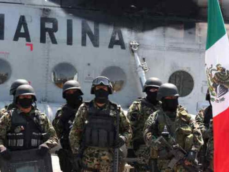 Secretaría de Marina rescata a tres pescadores