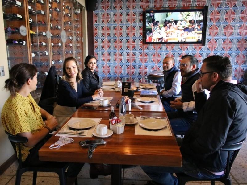 Secretaria de Turismo visita a empresarios de Tequisquiapan