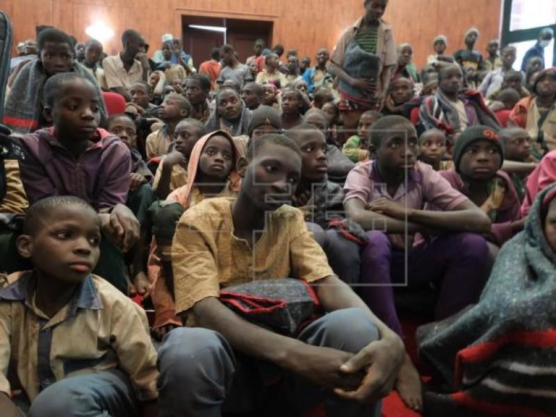 Secuestran a 84 estudiantes en Nigeria, son rescatados por Policía