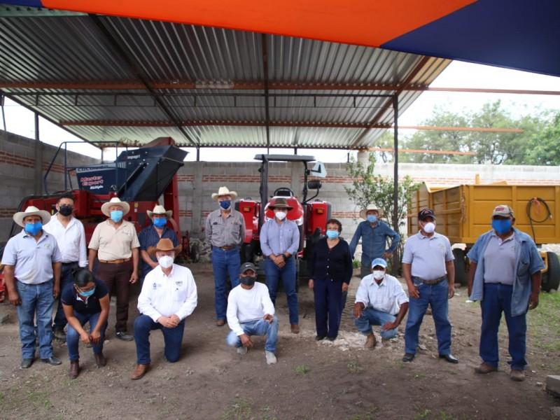 SEDEA Entrega Maquinaria Agrícola a Productores de Frijol