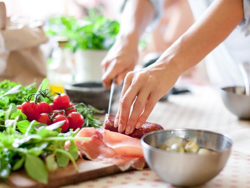Sedentarismo por confinamiento requiere de una mejor alimentación