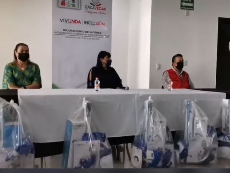 Seduvot realiza entrega de apoyos emergentes a personas con discapacidad
