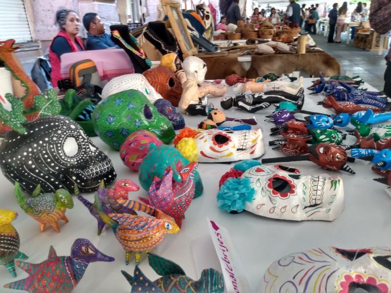 Exponen en Feria Estatal de las Artesanías