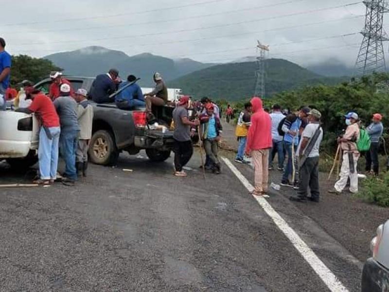 Segundo día de bloqueo tramo Juchitán-Matías Romero