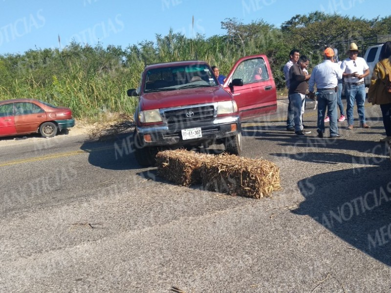 Segundo día de protesta de sorgueros en Juchitán