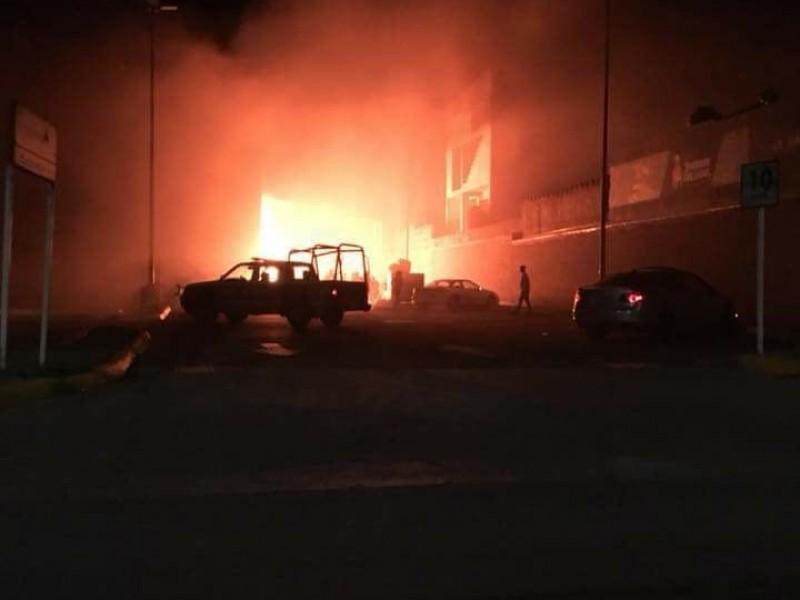 Seis horas en sofocar incendio, 12 casas dañadas