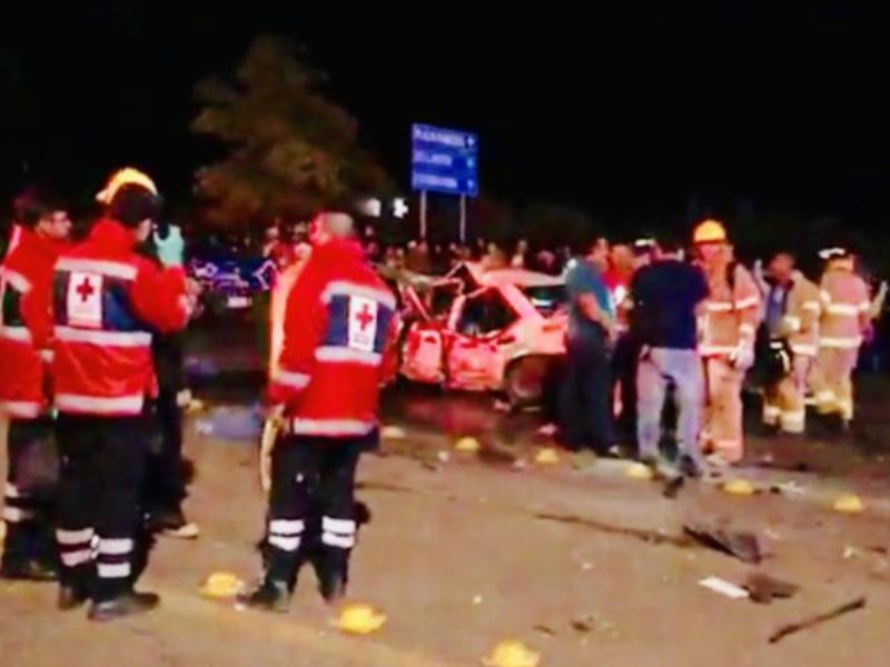 Seis muertos y 20 heridos tras el puente