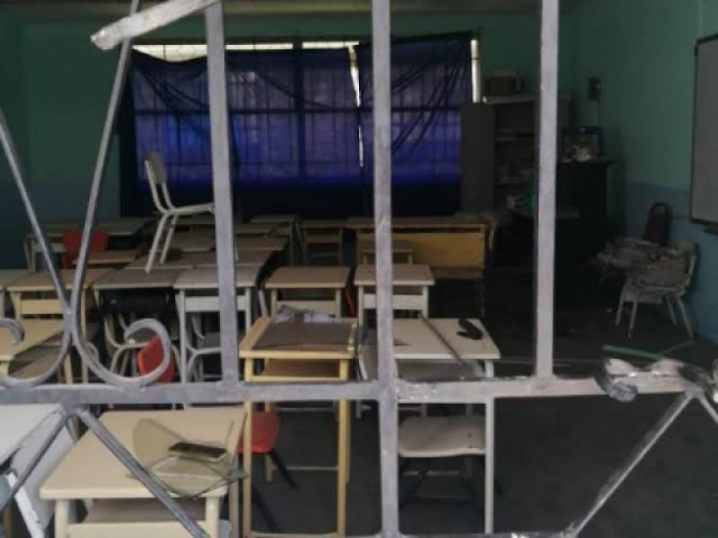 SEJ reporta más de 600 escuelas vandalizadas durante la pandemia
