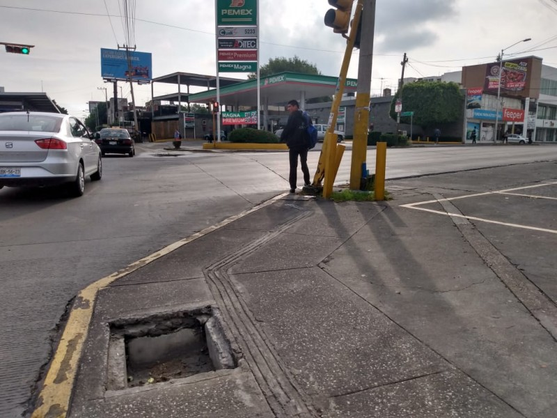 Circuito Juan Pablo Ii : Meganoticias semáforo en riesgo de caer en juan pablo ii