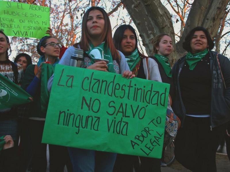 Senado de Argentina inicia histórica sesión por aborto