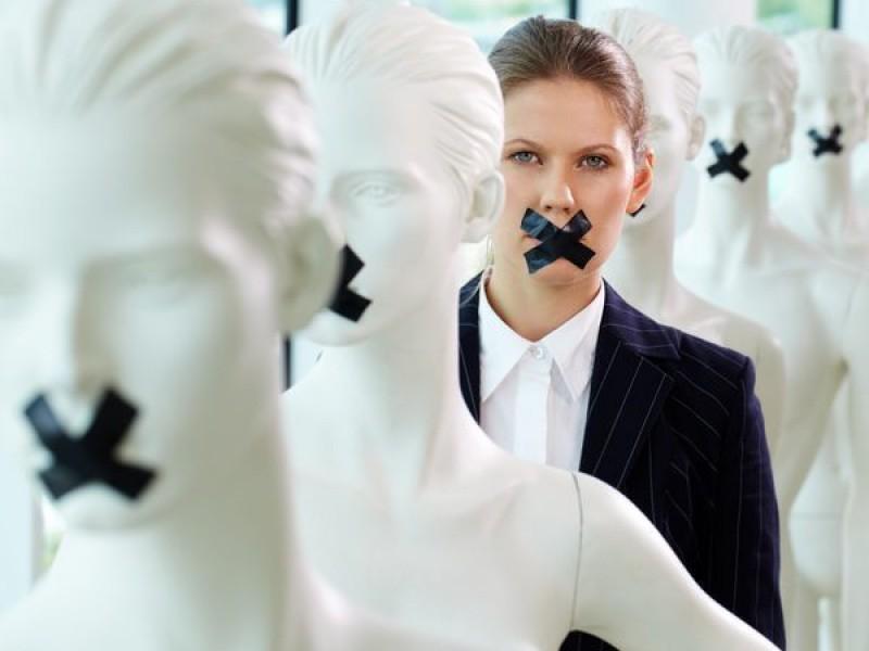 Ser mujer factor que suma a la discriminación