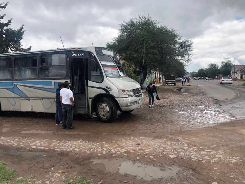 Servicio de transporte público se continúa brindando en El Marques.