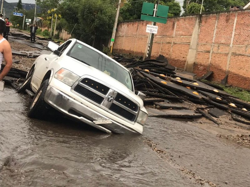 Severas inundaciones en Santa Anita