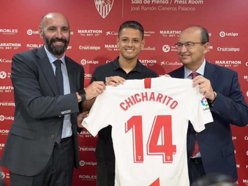 Sevilla oficializa fichaje de Chicharito